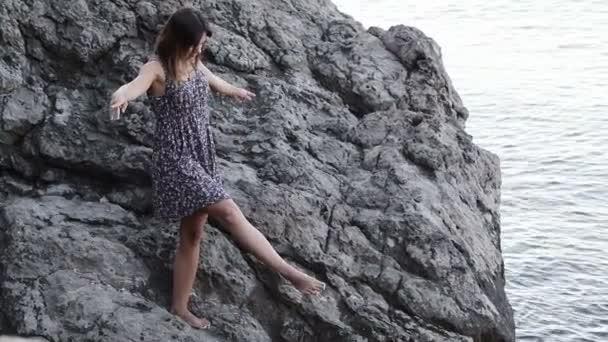Lány-tánc kövek