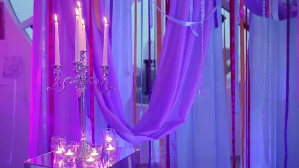 Decorazione del nastro con le candele