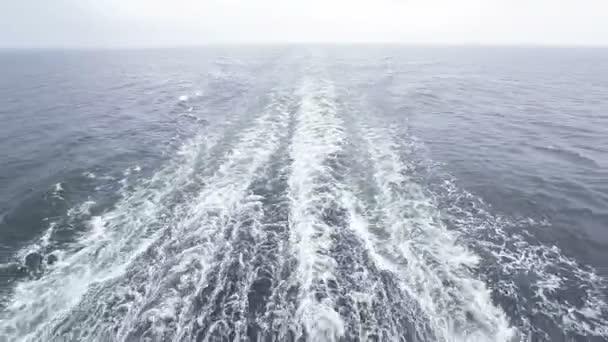 Následovat trajekt do deště