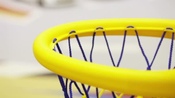 basketbalový míč do koše