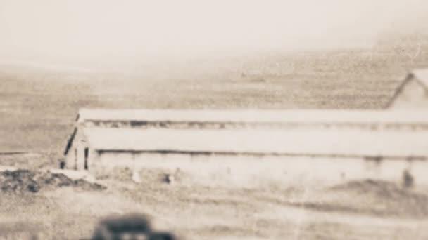 Rusko - Moskva, 04.22.2021: retro černobílé fotografie Velké vlastenecké války. Záběry ze skladu. Ročníkové záběry vojáků, strojů a tanků.