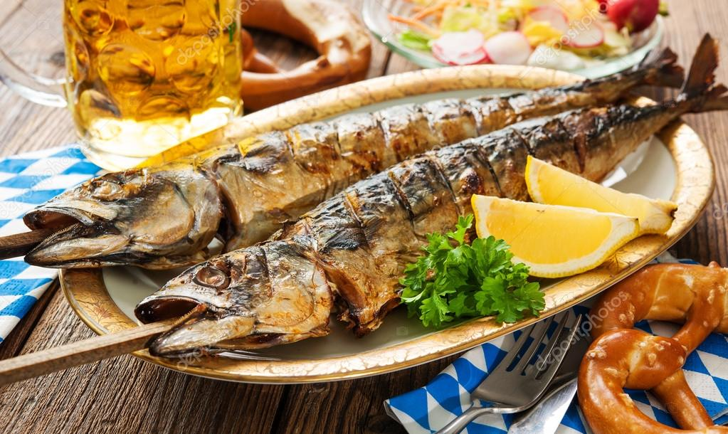 depositphotos_122620522-stock-photo-grilled-mackerel-fish-with-beer.jpg