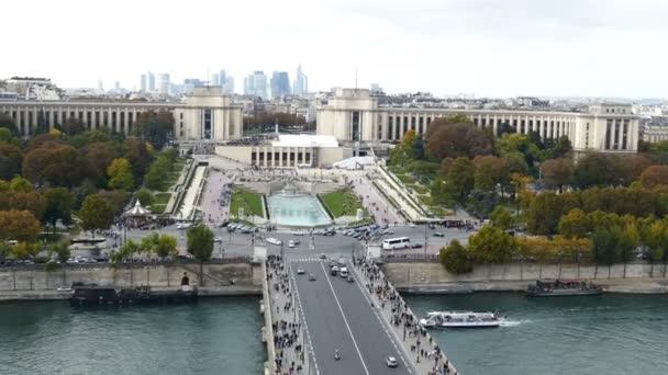 Letecký pohled na řeku Seinu a Trocadero v Paříži, 1