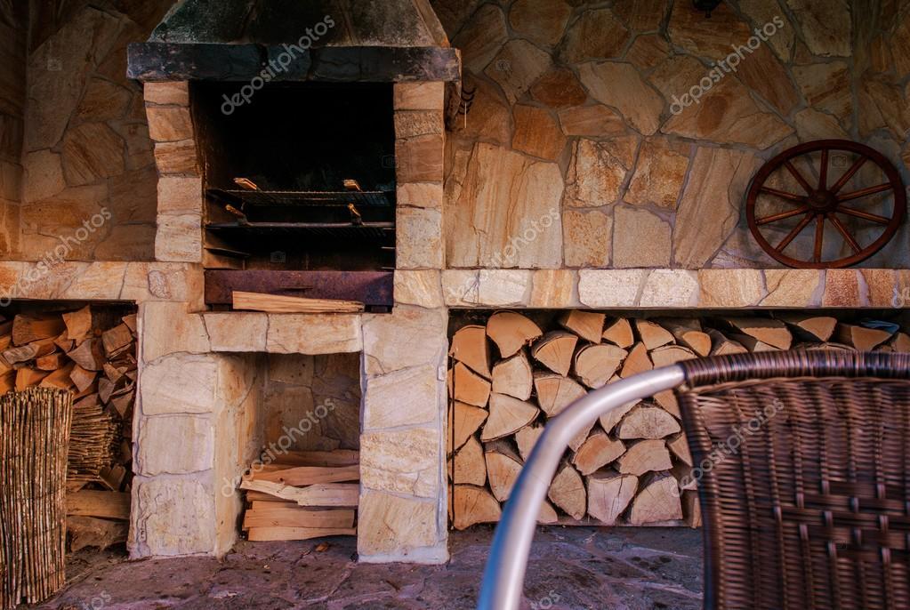 Outdoor Küche Steinmauer : Grill outdoor küche u stockfoto welcomia
