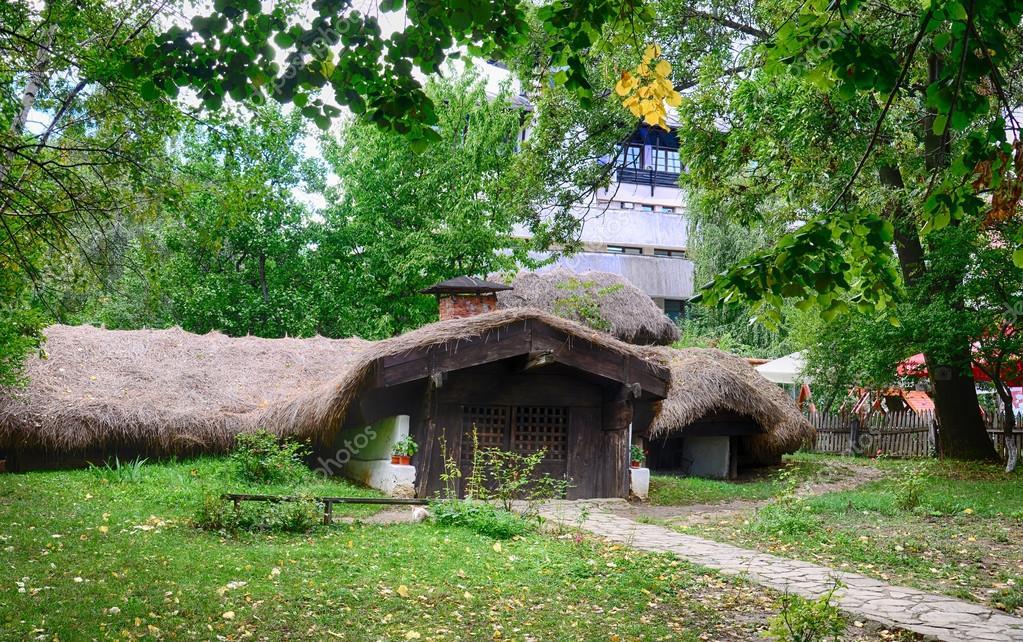 Case Di Tronchi Romania : Le vecchie case villaggio museum bucharest romania europe hdr