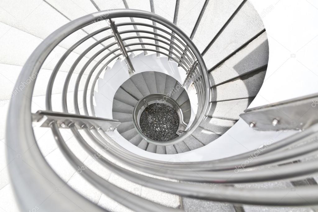 Edificio de escaleras caracol blanco foto de stock - Cerrar escalera caracol ...