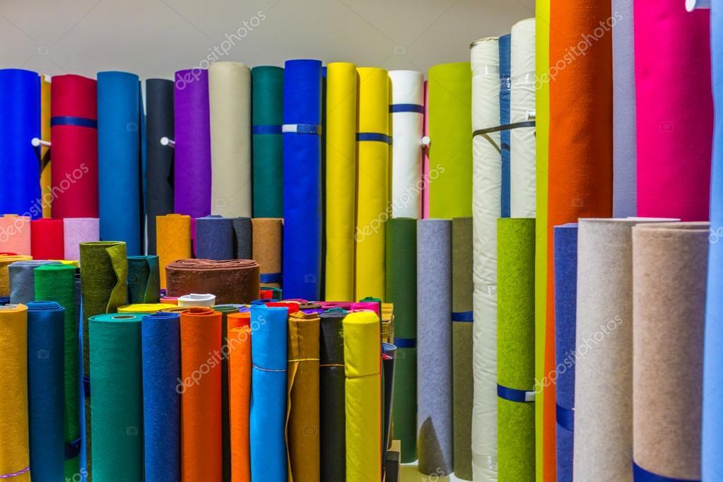 Rotoli Di Carta Colorata : Rotoli di carta da imballaggio u foto stock anashkin