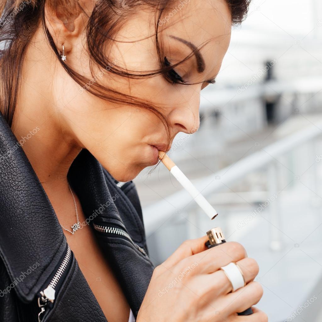 sexy ženy dávat kouření