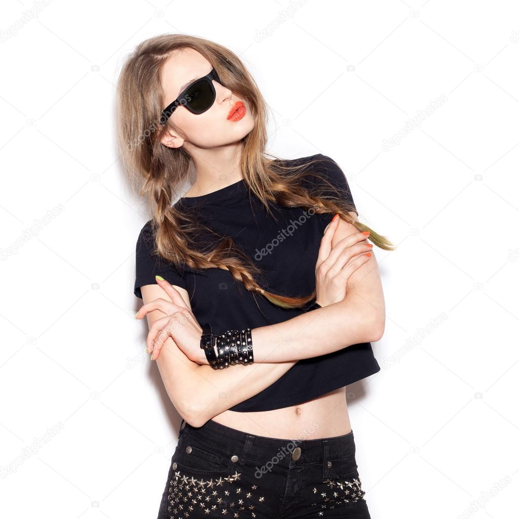 Fashion swag girl in sunglasses. White background, not isolated — Image de  johan-jk 58f3bd88565c