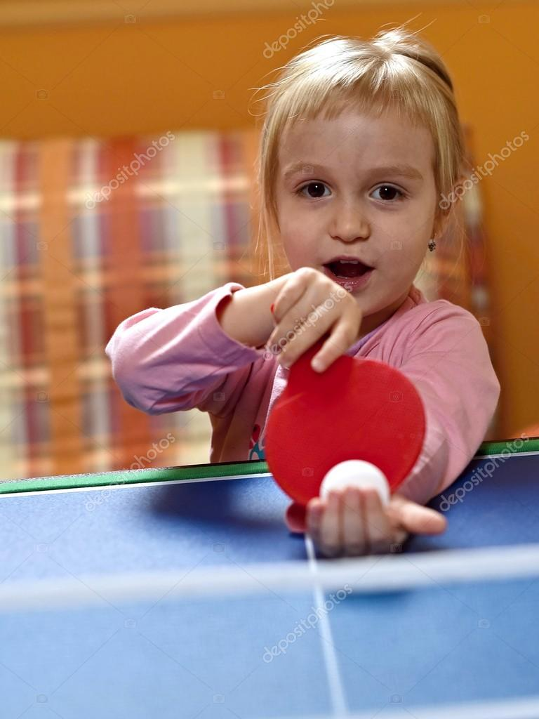 Little Girl Playing Table Tennis Stock Photo 169 Muro