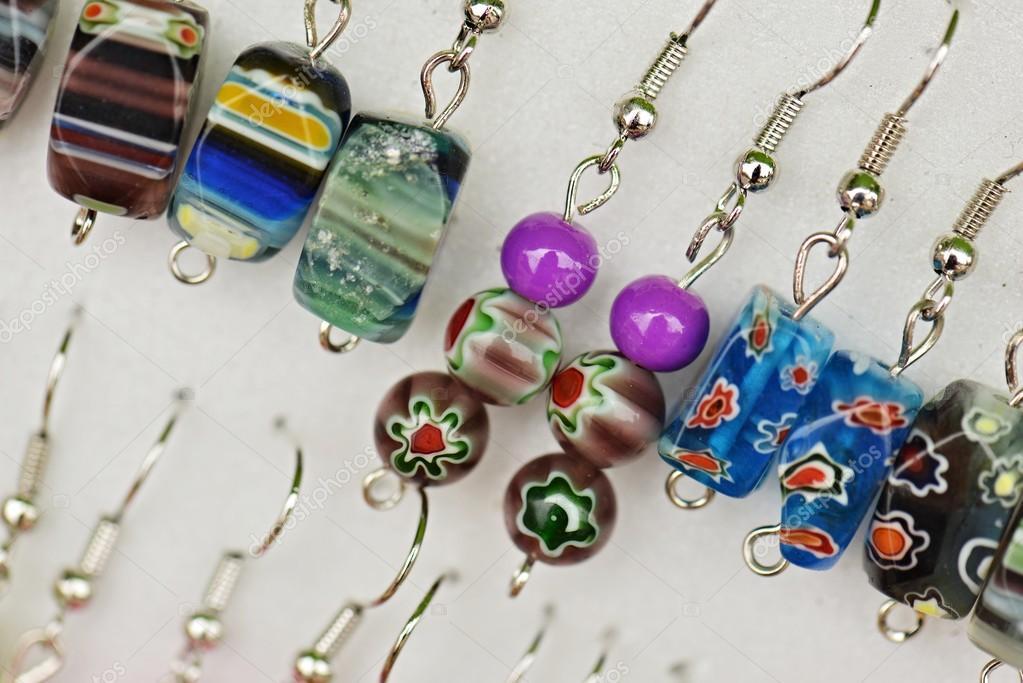 Κοσμήματα χειροποίητα διακοσμητικά σκουλαρίκι — Φωτογραφία Αρχείου ... bef6423ec59