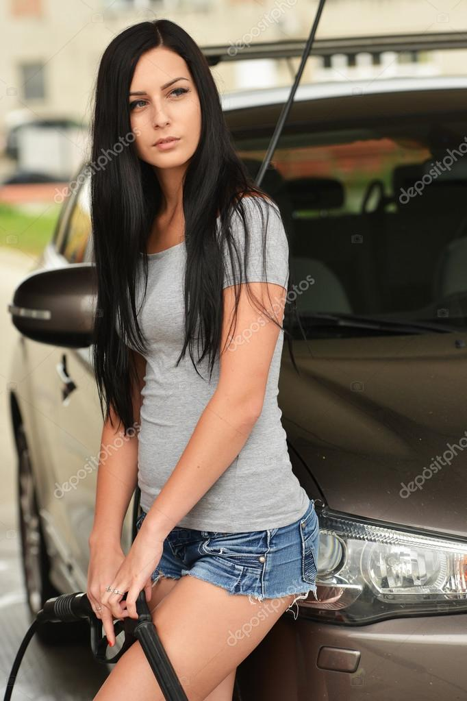 Сексуальная автомойка с