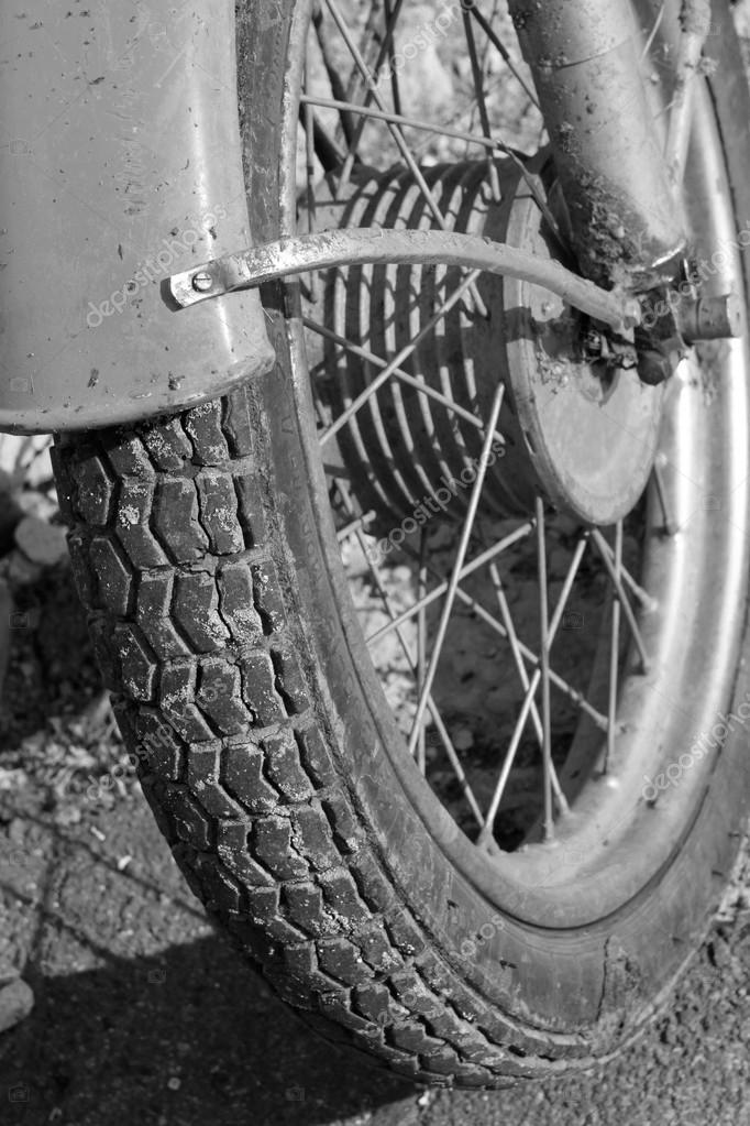 Gros Plan De Roue De Moto Photo Noir Et Blanc Ancienne