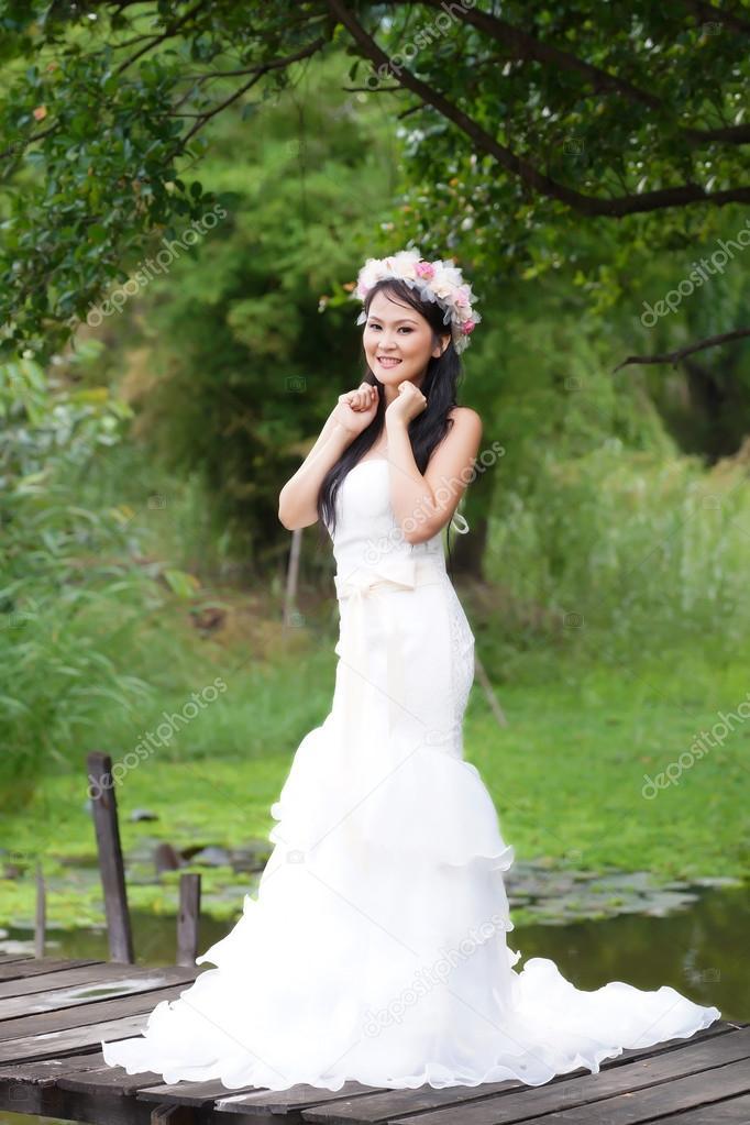 woman-beautiful-asian-bride-thai