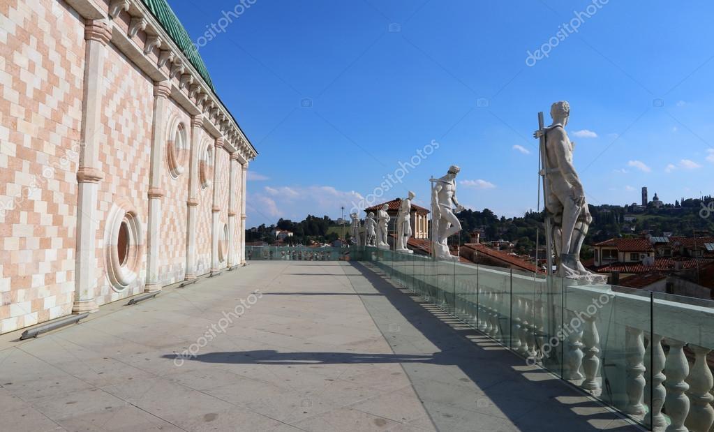 Basilica Palladiana da Andrea Palladio nel centro storico di V ...