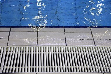 grid for water circulation in swimming pool