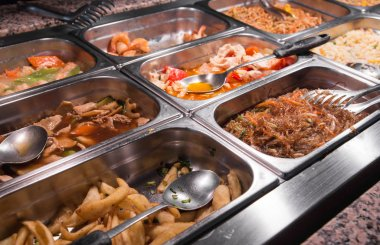 Chinese restaurant: spaghetti meat and vegetables