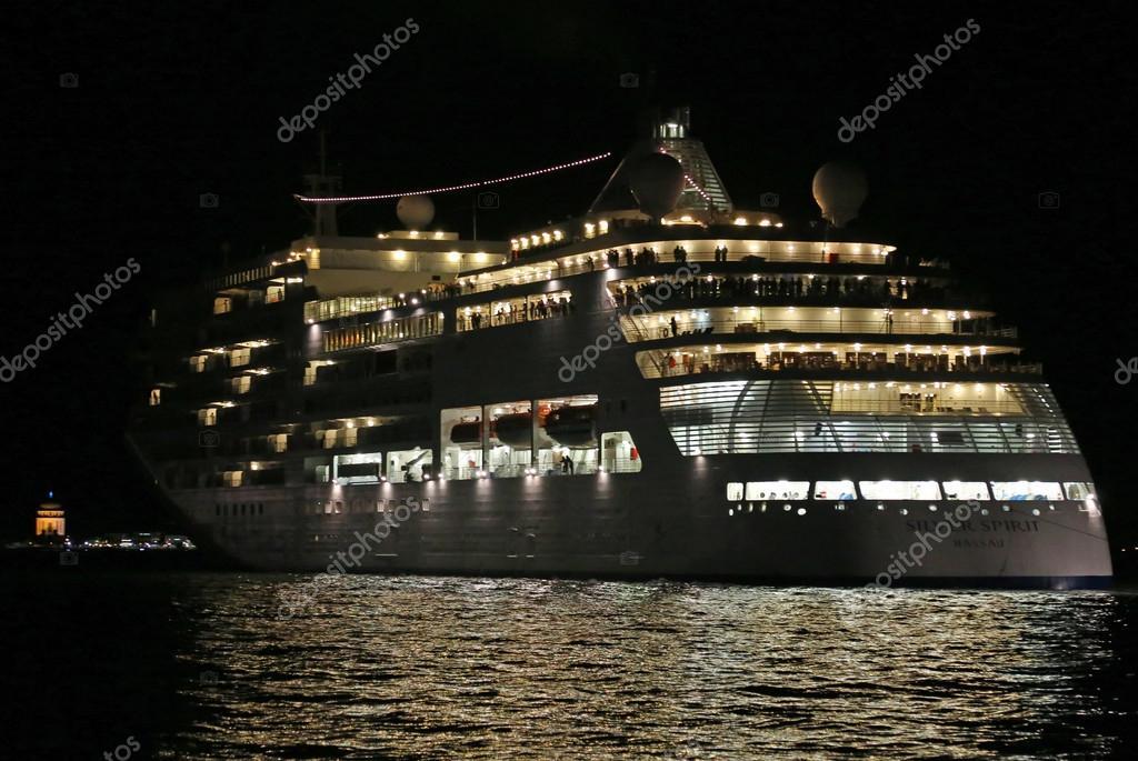 Venezia ve italia. 10 luglio 2015: nave da crociera partenza da