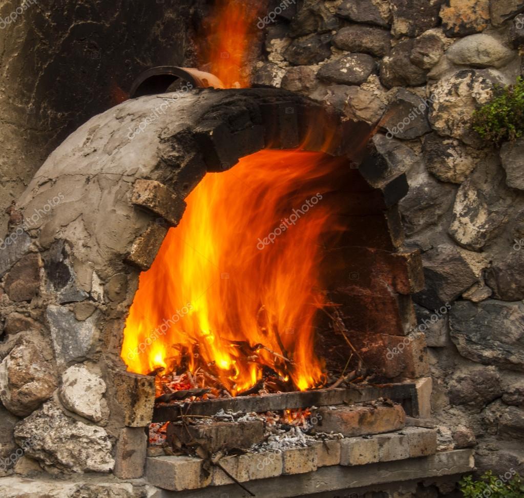 Offenes Feuer In Gemauerten Kamin Feuer Box Von Landhaus