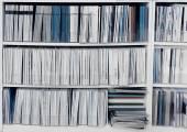 Fényképek White könyvespolc, kiadványok