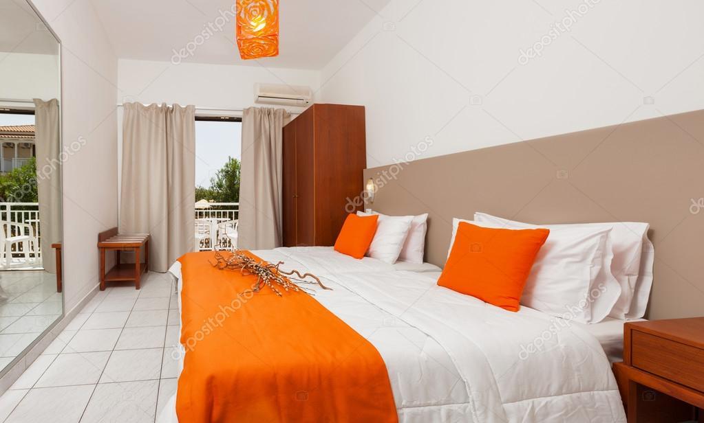 Camere Da Letto Tradizionali : Camera da letto tradizionale di lusso u foto stock smoxx