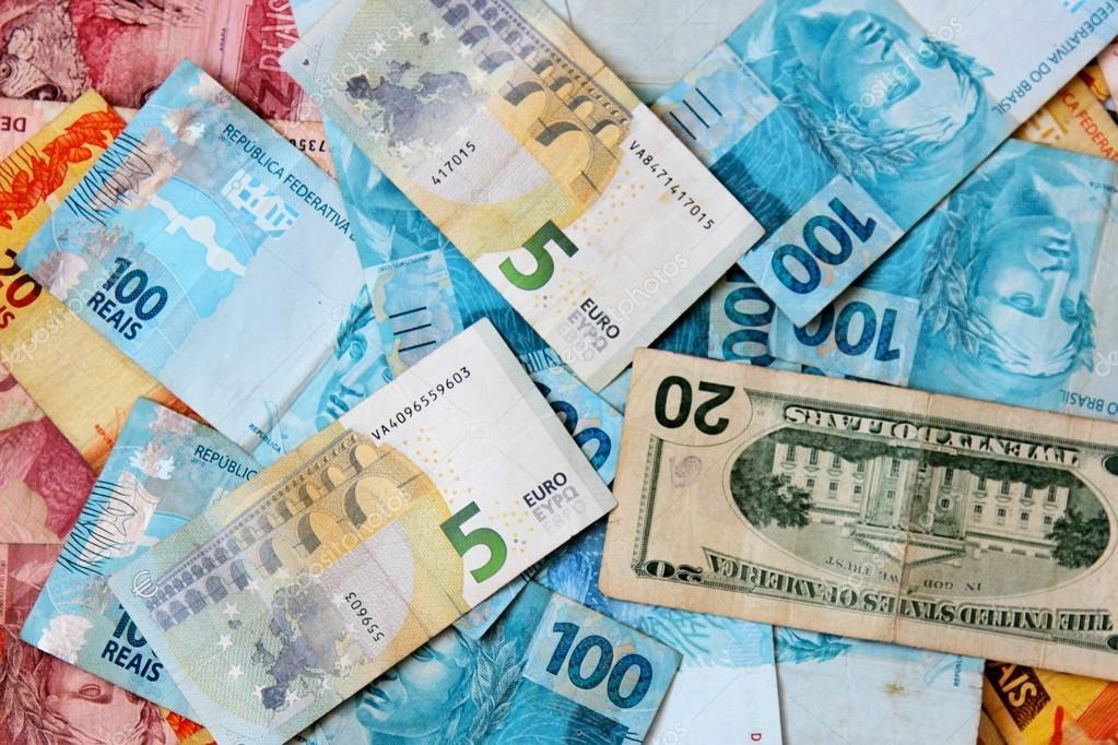 evro-v-brazilii-telku-trahayut-na-podokonnike