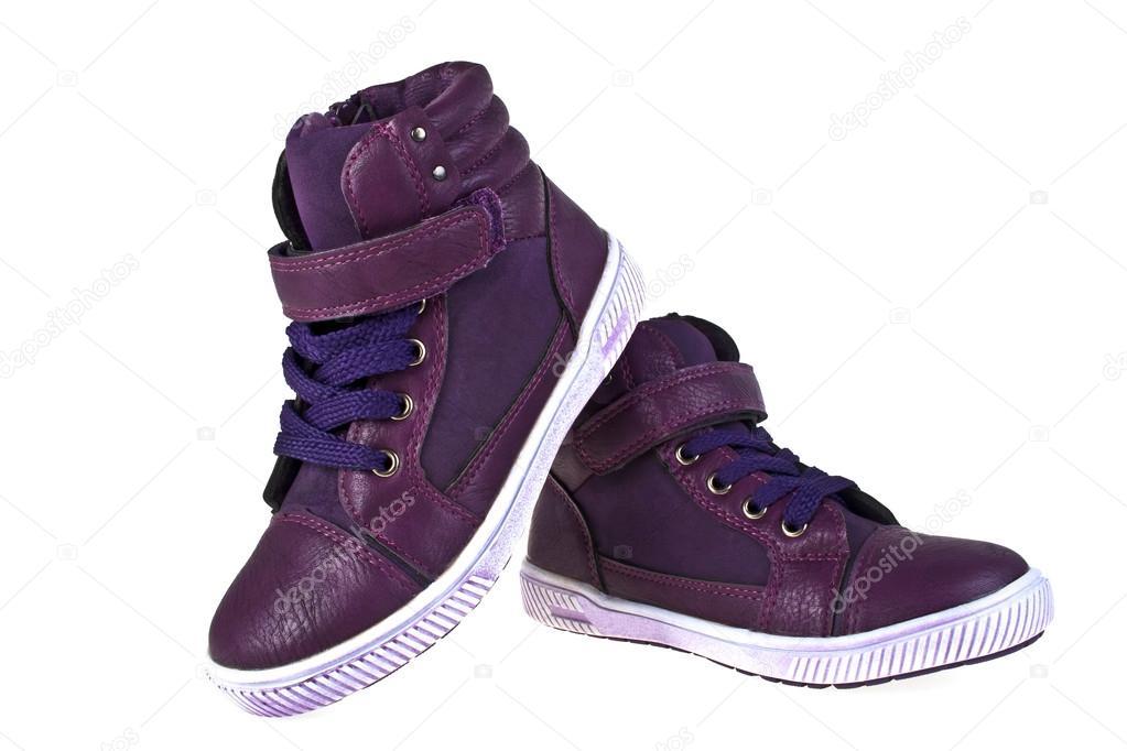 Kinderschoenen Voor Meisjes.Violet Kinderschoenen Voor Meisjes Op Een Witte Achtergrond