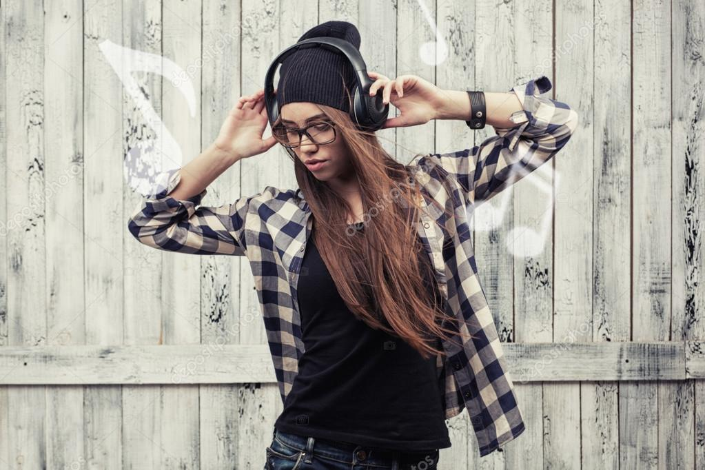 Imágenes: Chicas Con Audifonos