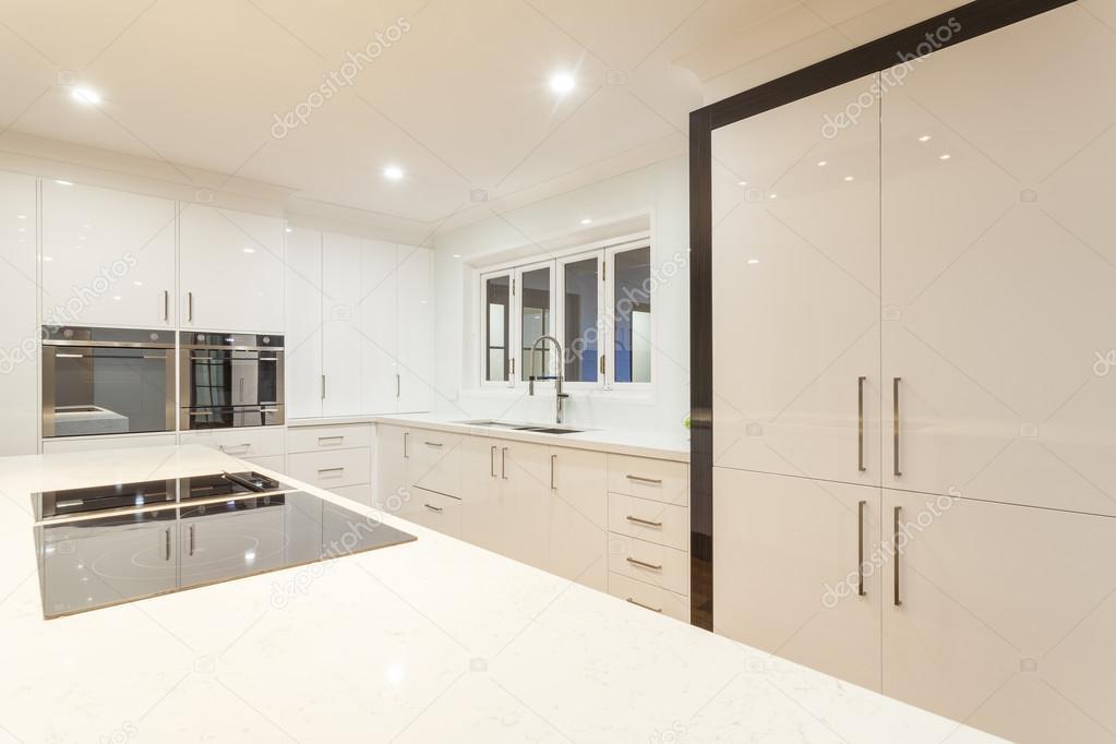 Ultra Moderne Keukens : Ultra moderne keuken u stockfoto zstockphotos