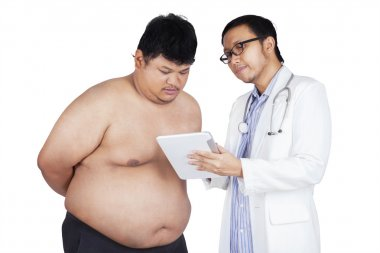 Physician explain the checkup result