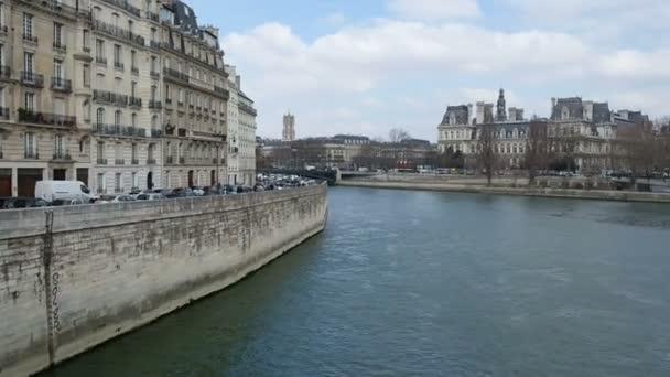 river Sena in Paris