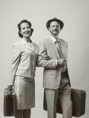 couple leaving for honeymoon