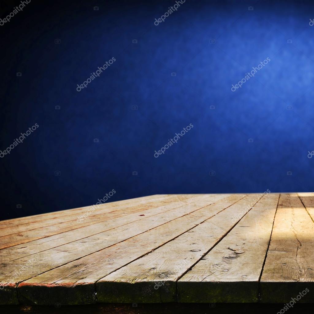 Leere Tabelle für Produkt — Stockfoto © kwasny222 #63217385