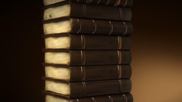zásobník starých knih