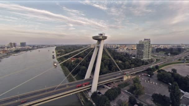 Most z nebe nad Dunajem