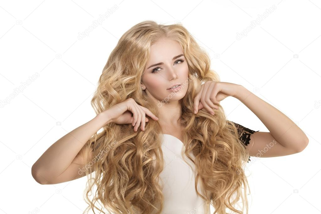 wypadanie włosów u młodej dziewczyny