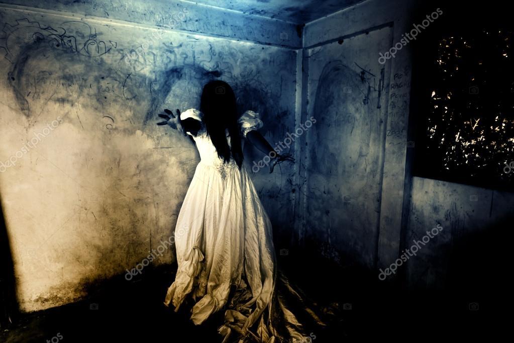 Storia di fantasmi notte della vendetta foto stock for Planimetrie di 2000 piedi quadrati una storia