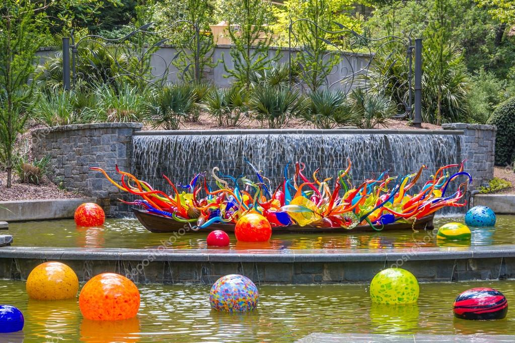 ATLANTA, GA, USA   APRIL, 23 2016: Exhibition Of Glass Artist Chihuly Takes  Place In The Atlanta Botanical Garden In Atlanta, Georgia In 2016.