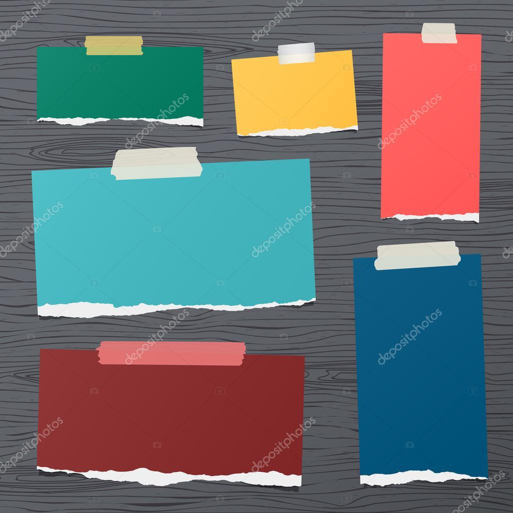 Morceaux De Papier A Notes Carre Blanc Colle Sur Mur En Bois