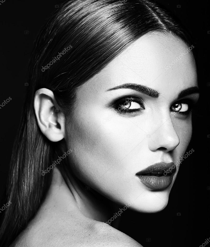 Black and white photo of sensual glamour portrait of beautiful woman model lady with fresh daily makeup and clean healthy skin face image de alexhalay