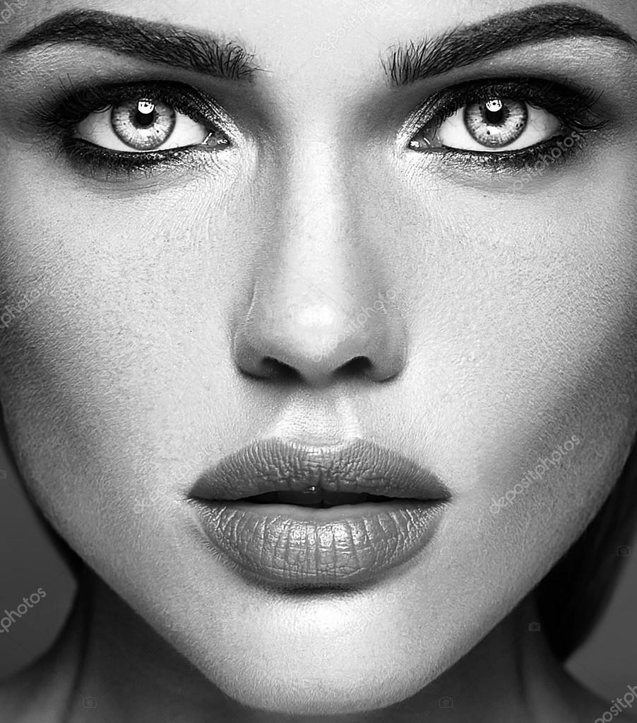 photo noir et blanc de glamour sensuel dame mod le belle femme avec maquillage quotidien frais. Black Bedroom Furniture Sets. Home Design Ideas