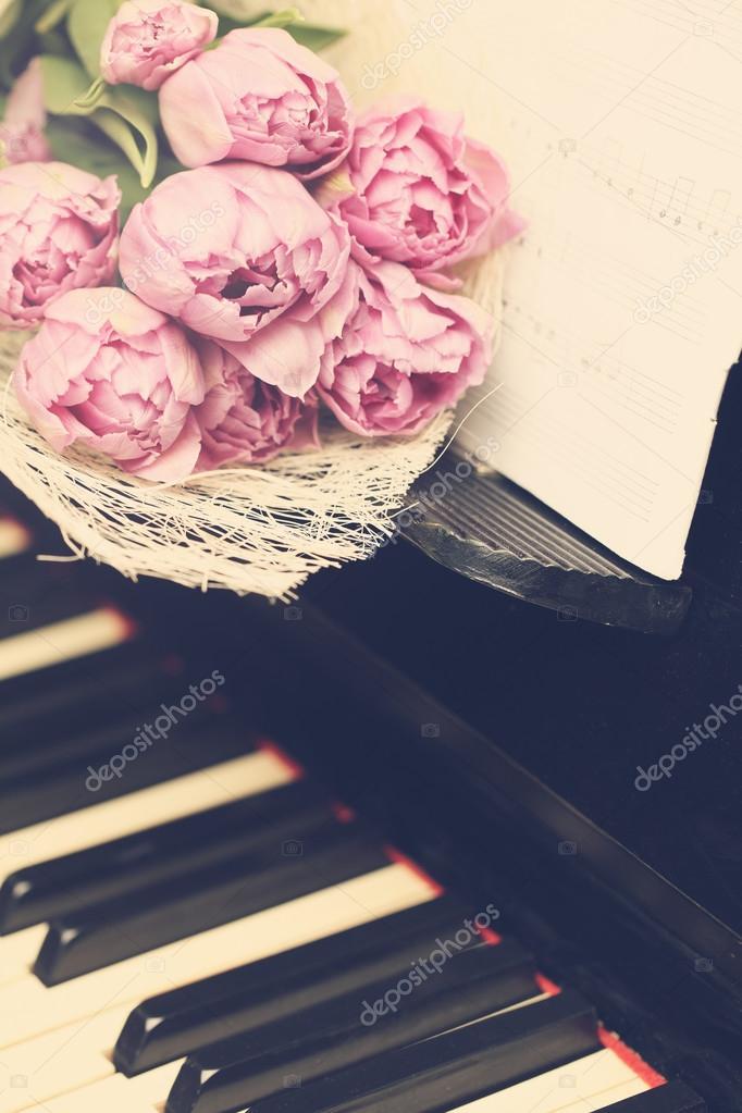 Fond Fleur Romantique Avec Fleurs Et Musique Photographie