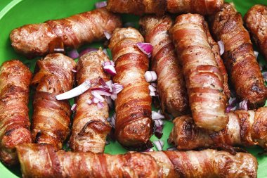 meat rolled with bacon