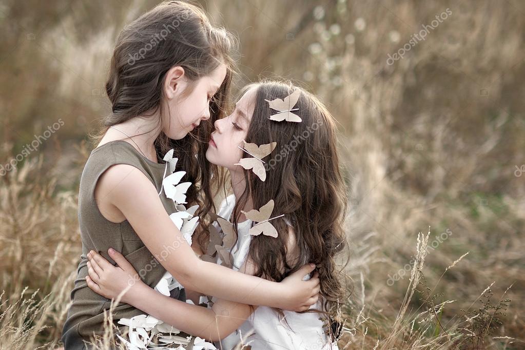 Dating en tvilling syster