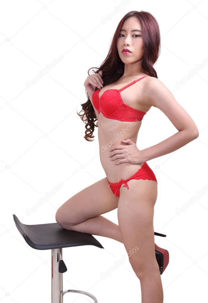 13b3e96542e κόκκινο μπικίνι γυναίκα — Φωτογραφία Αρχείου © pongam #105430922