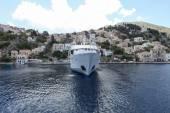 Fényképek a görög kikötőben a hajó