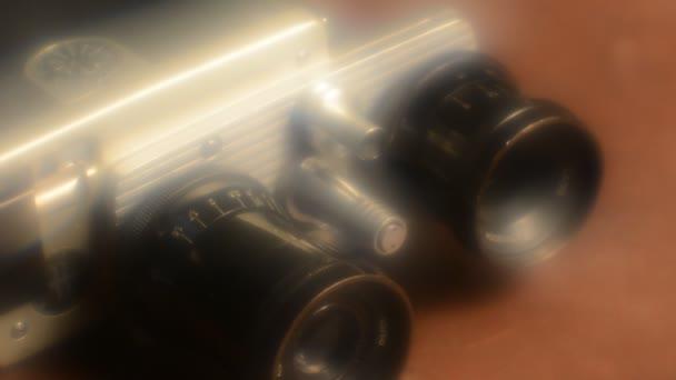 régi fényképezőgép-val két lencsék