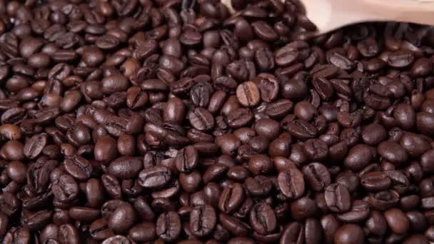pražená kávová zrna, detailní záběr kávových zrn. selektivní zaměření
