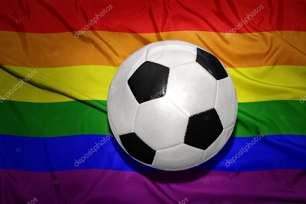 Resultado de imagem para bola de futebol gay