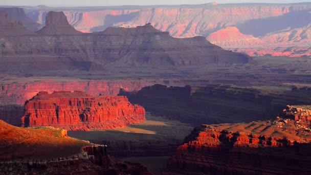 krásný západ slunce u bodu canyonlands utah marlboro